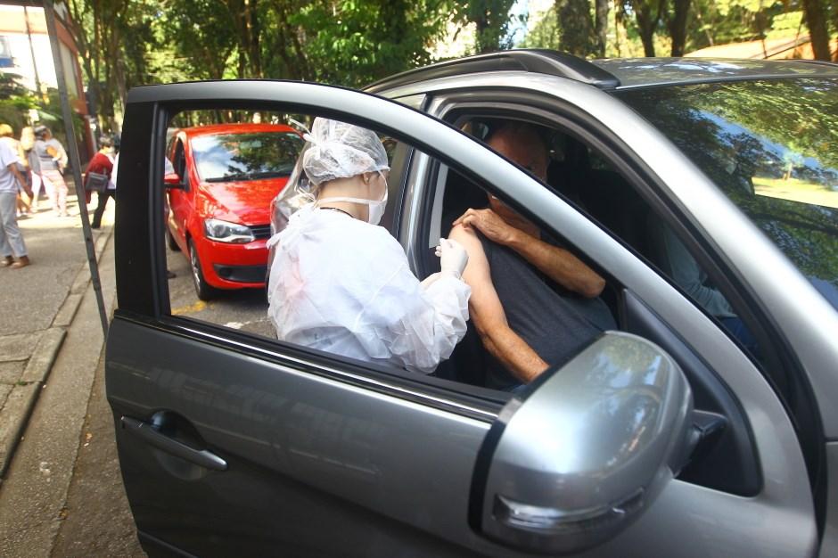 São José retoma neste sábado a vacinação dos idosos com 80 anos ou mais.