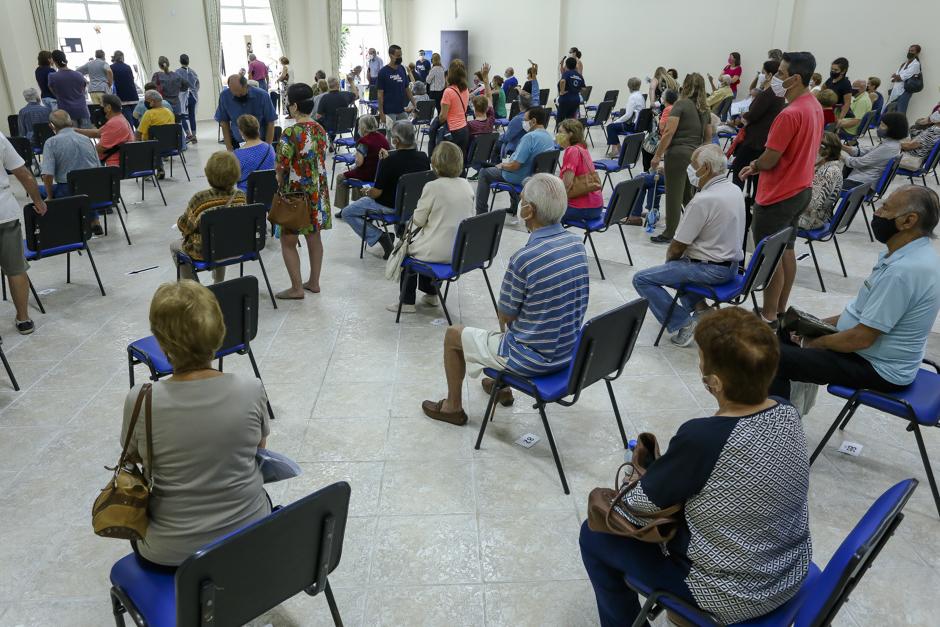 Vacinação em São José alcança 90% dos idosos com 77 anos ou mais