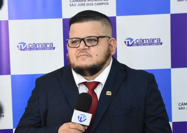 Vereador Rafael Pascucci é extubado neste domingo e satura bem