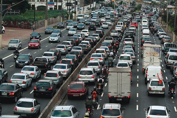 Dia do Automóvel é comemorado hoje. Estado de SP possui um terço do total da frota nacional